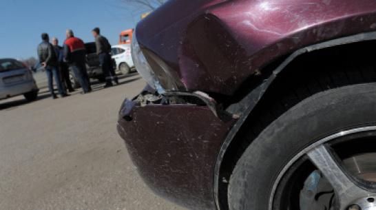 В Воронежской области 2-летняя малышка попала под машину