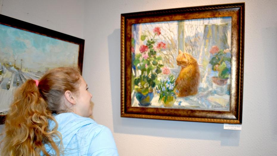 В Калаче открылась выставка воронежской художницы Лидии Зориковой