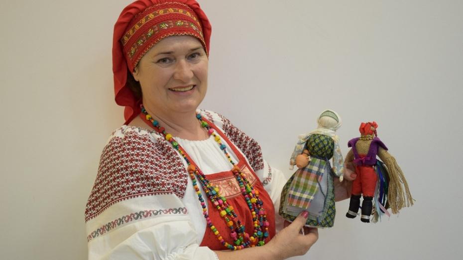 Рамонская рукодельница победила в конкурсе сувенирной продукции «С любовью из Воронежа»