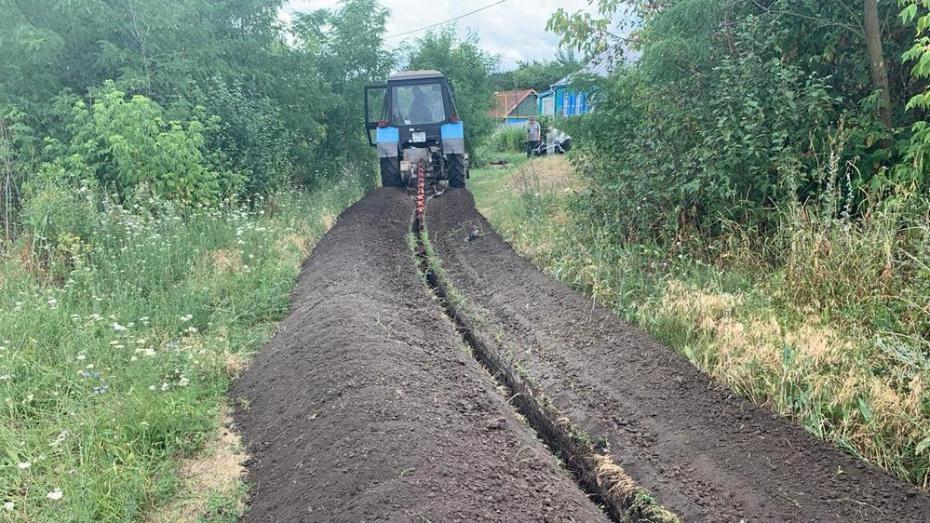В Россошанском районе в 3 населенных пунктах заменят старые трубы водопроводных сетей
