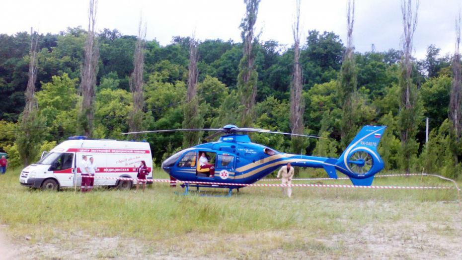 Санитарный вертолет доставил донорские почки из Борисоглебска в Воронеж