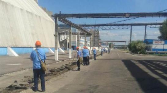 Осужденных колонии в Воронежской области трудоустроили на завод минудобрений