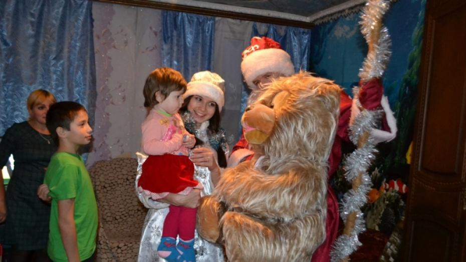 Ольховатские журналисты проведут новогоднюю акцию «Подари ребенку сказку»