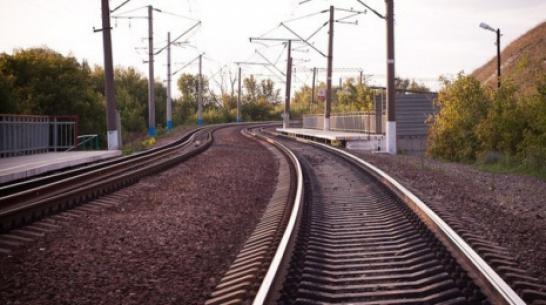 Очевидцы: поезд насмерть сбил женщину в Воронежской области