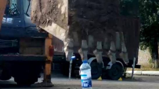 Воронежский экскаваторщик-виртуоз поучаствовал в Bottle Cap Challange