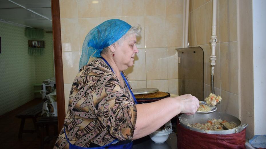 Жителей Борисоглебска попросили помочь с доставкой горячих обедов