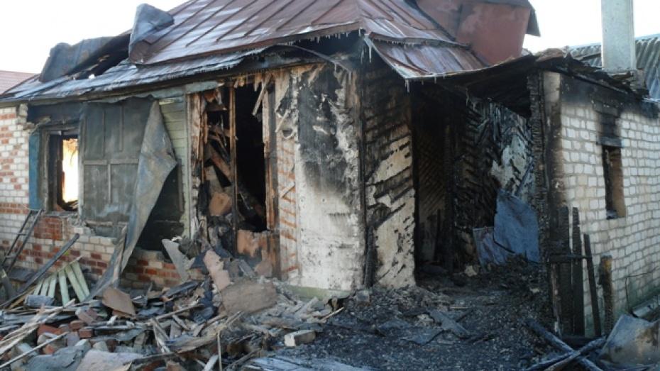 В Воробьевском районе старики остались без крыши над головой