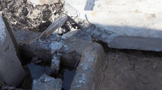 Бетонная плита упала на рабочего на Беговой в Воронеже