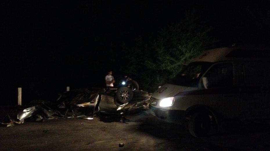 В Острогожске в ДТП пострадали водитель и пассажир иномарки