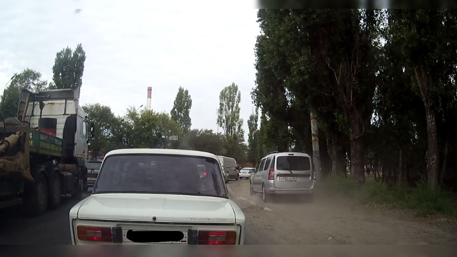В Воронеже автомобилиста оштрафовали за объезд пробки