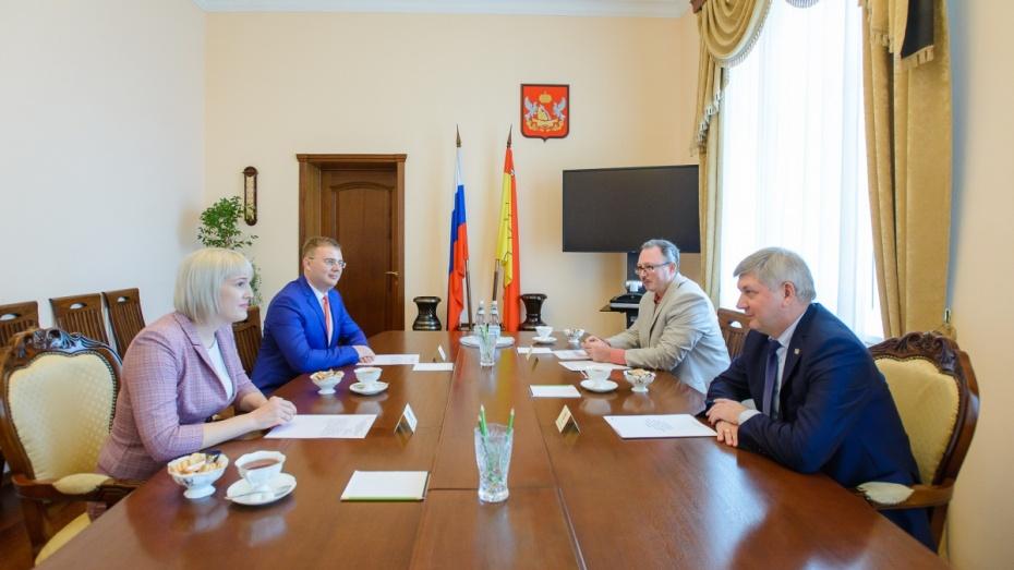 Глава Воронежской области поручил рассмотреть варианты инвестирования в развитие Крыма