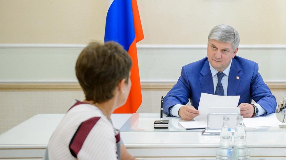 Губернатор пообещал главе сельпоселения Каменского района решить вопрос с ремонтом дороги