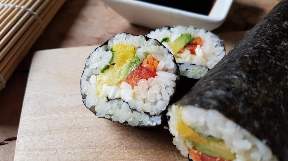 Приставы опечатали суши-бар в Воронеже
