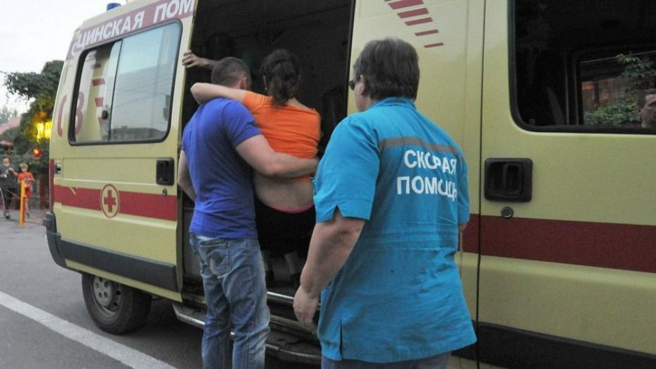 Под Воронежем при столкновении иномарки со скутером пострадали 2 школьницы