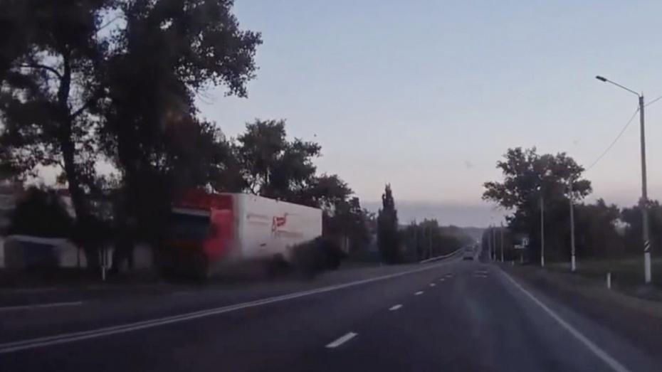 Острогожский таксист попал в аварию