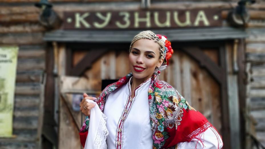В День России воронежцы смогут «посетить» онлайн-концерт фольклорной певицы