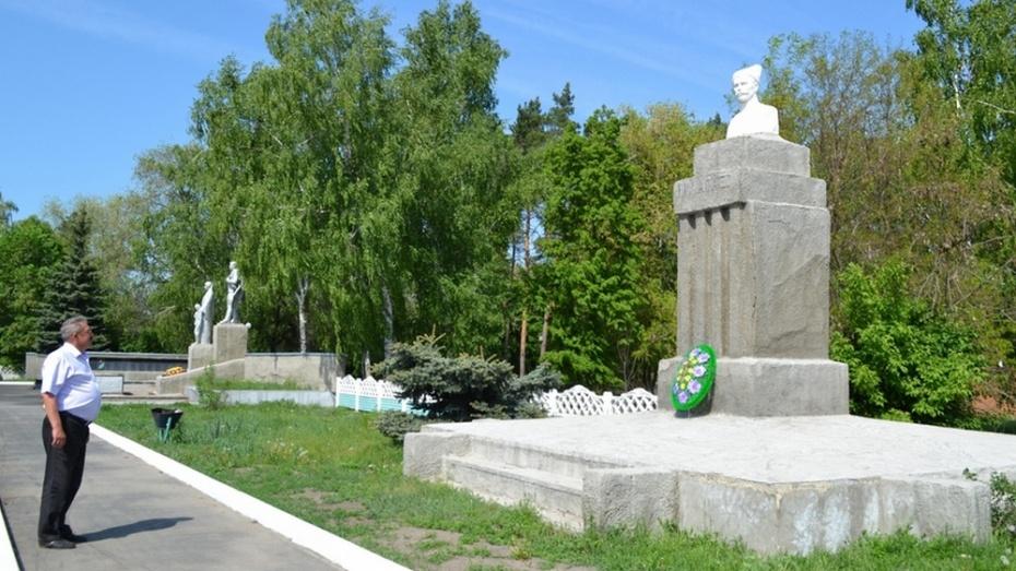 В бутурлиновском селе Пузево отремонтируют памятник Чапаеву и мемориал Славы