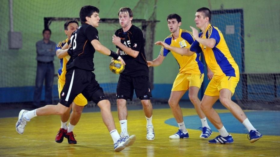 Гандболисты «Энергии» вышли в четвертьфинал Кубка России