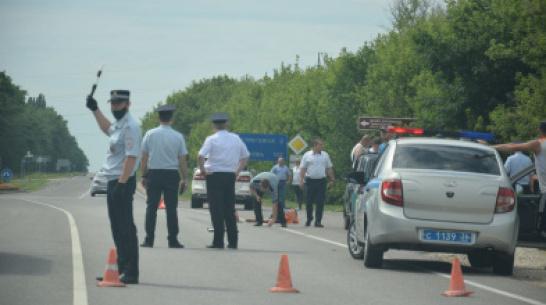 Автомобилистка насмерть сбила дорожного рабочего в Воронежской области