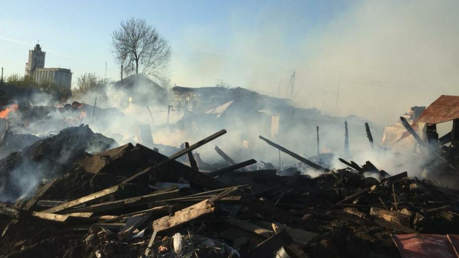 В Таловском районе начали собирать помощь для пострадавших из-за пожара абрамовцев