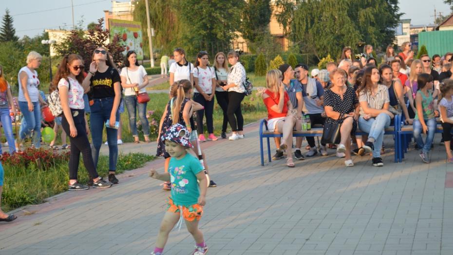 Подгоренцев пригласили на бесплатный концерт воронежского мужского хора «Русский формат»