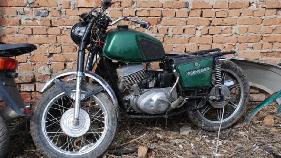 В Воронежской области 23-летний мотоциклист влетел в столб и погиб