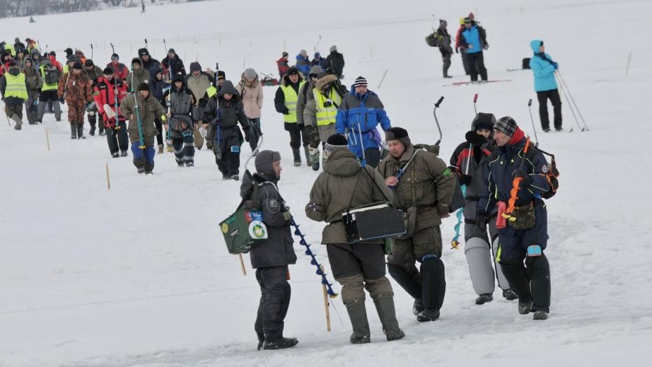 В Воронеж на зимний кубок России по рыболовному спорту приехали около 100 спортсменов