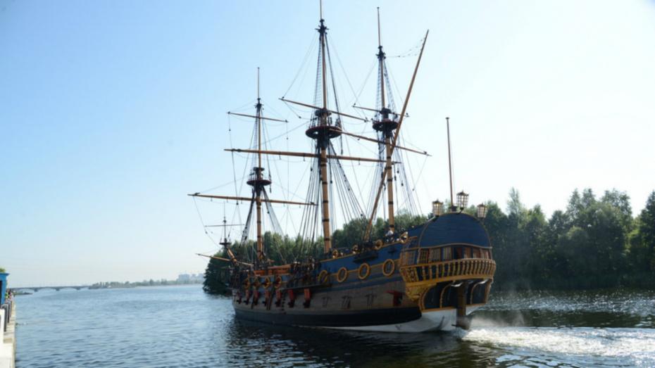 Место швартовки воронежского корабля-музея попало в топ самых живописных в России