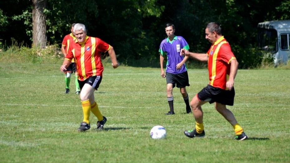 Тамбовские ветераны футбола обыграли панинскую команду