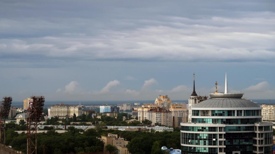 Воронежец поделился видео с «волнами» облаков