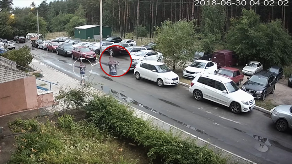 Стрелявшие по машинам в Воронеже подростки попали на видео
