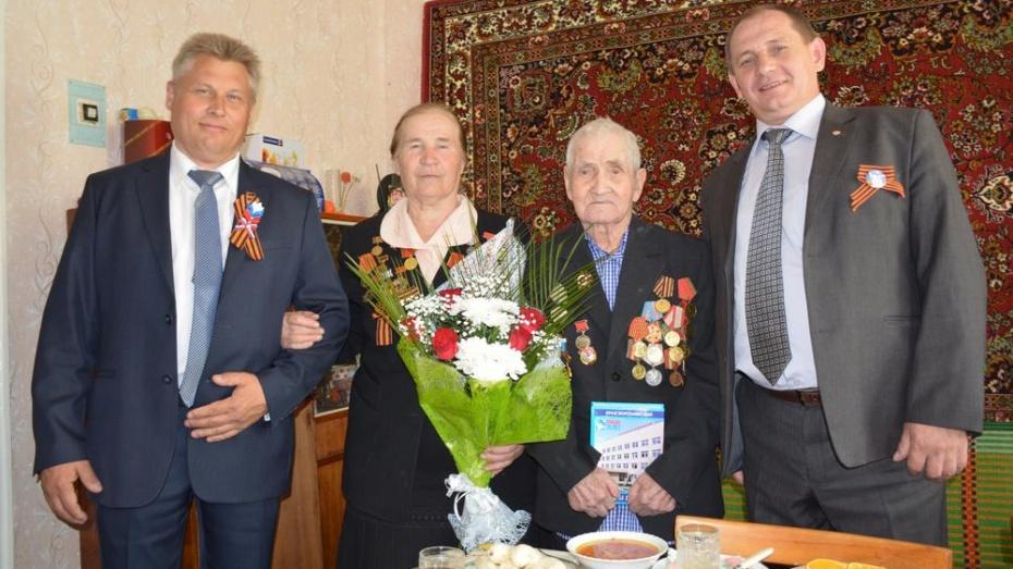 Каширский ветеран 9 мая отметил День Победы и день рождения