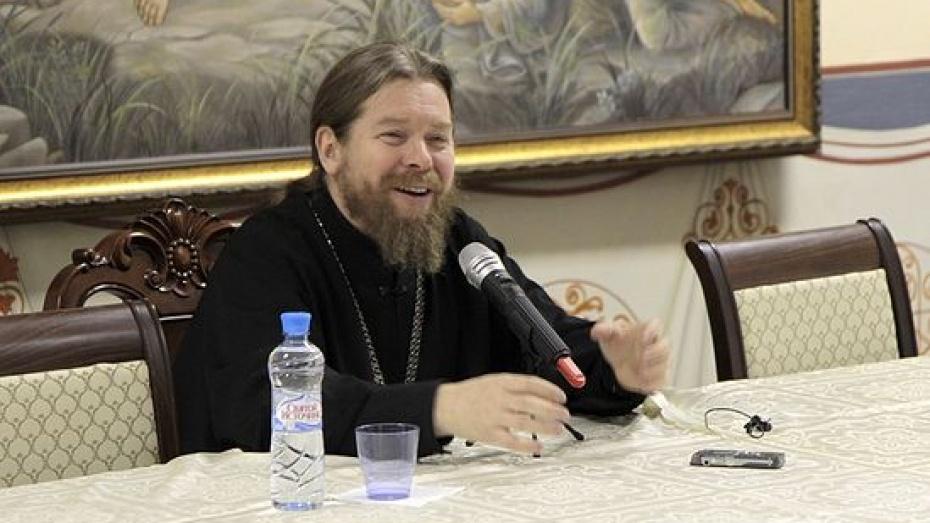 Известный московский священник рассказал молодежи про воронежского губернатора