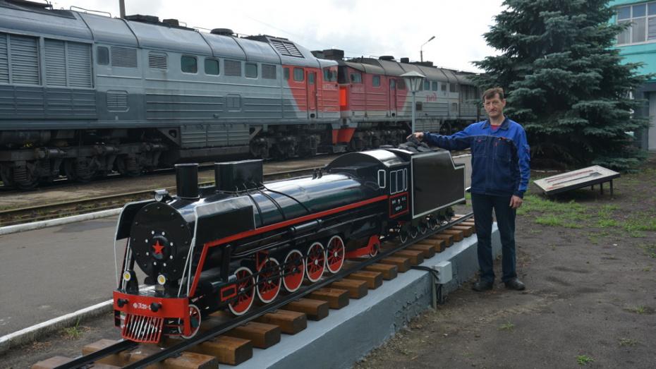 Поворинские железнодорожники сделали макет-памятник паровозу «Феликс Дзержинский»