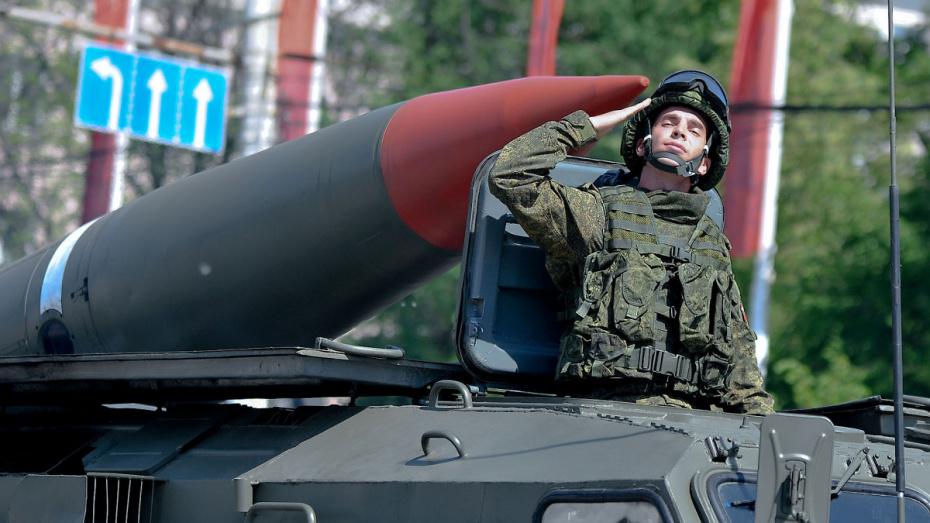 Военная техника для проведения парада Победы прибыла в Воронежский гарнизон