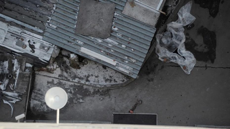 """В Воронеже во дворе офисной башни """"Галерея Чижова"""" обнаружили разбившегося мужчину"""