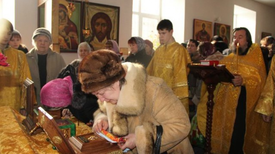В Новоусманский район привезли святые мощи из Ростова Великого