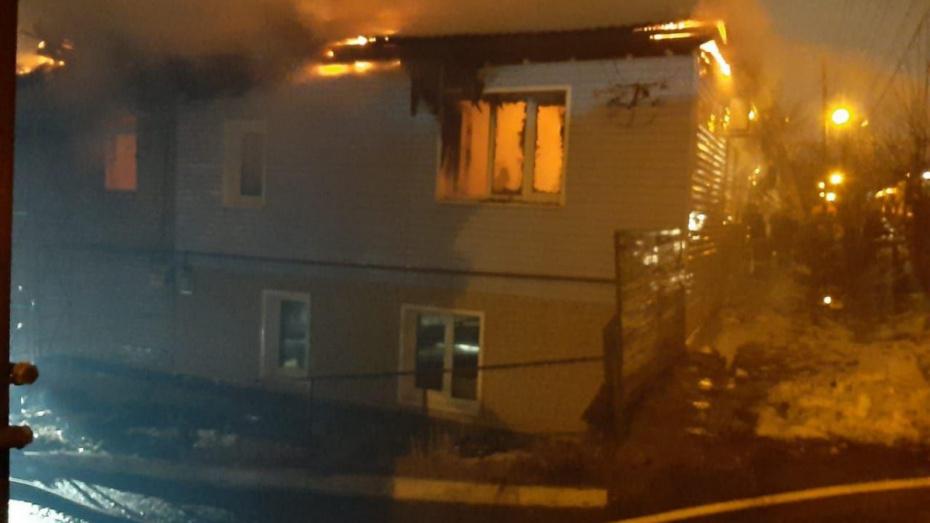 Во время салюта 23 февраля в Воронеже сгорел дом