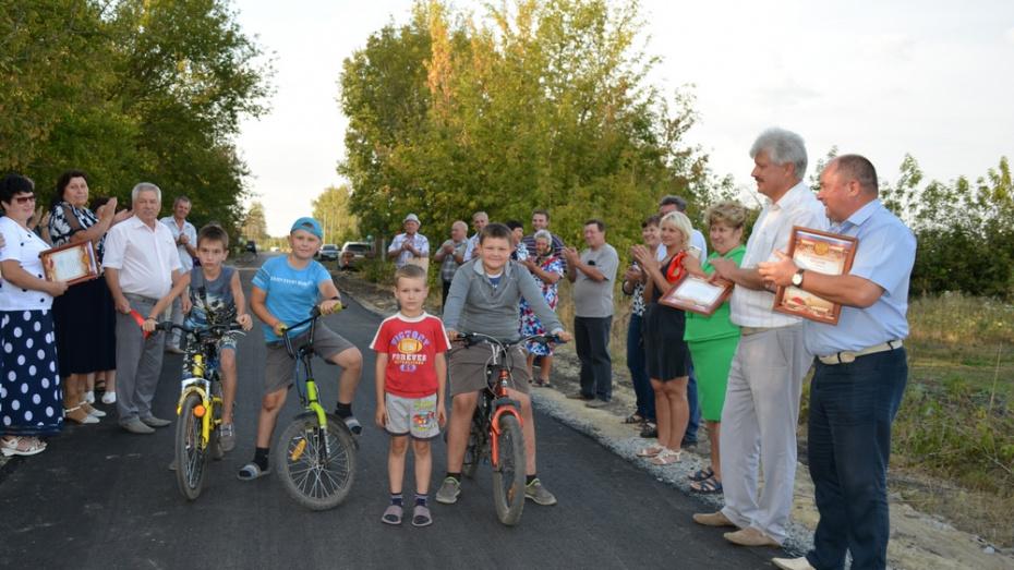 В нижнедевицком поселке Курбатово на ремонт дорог потратили около 4 млн рублей