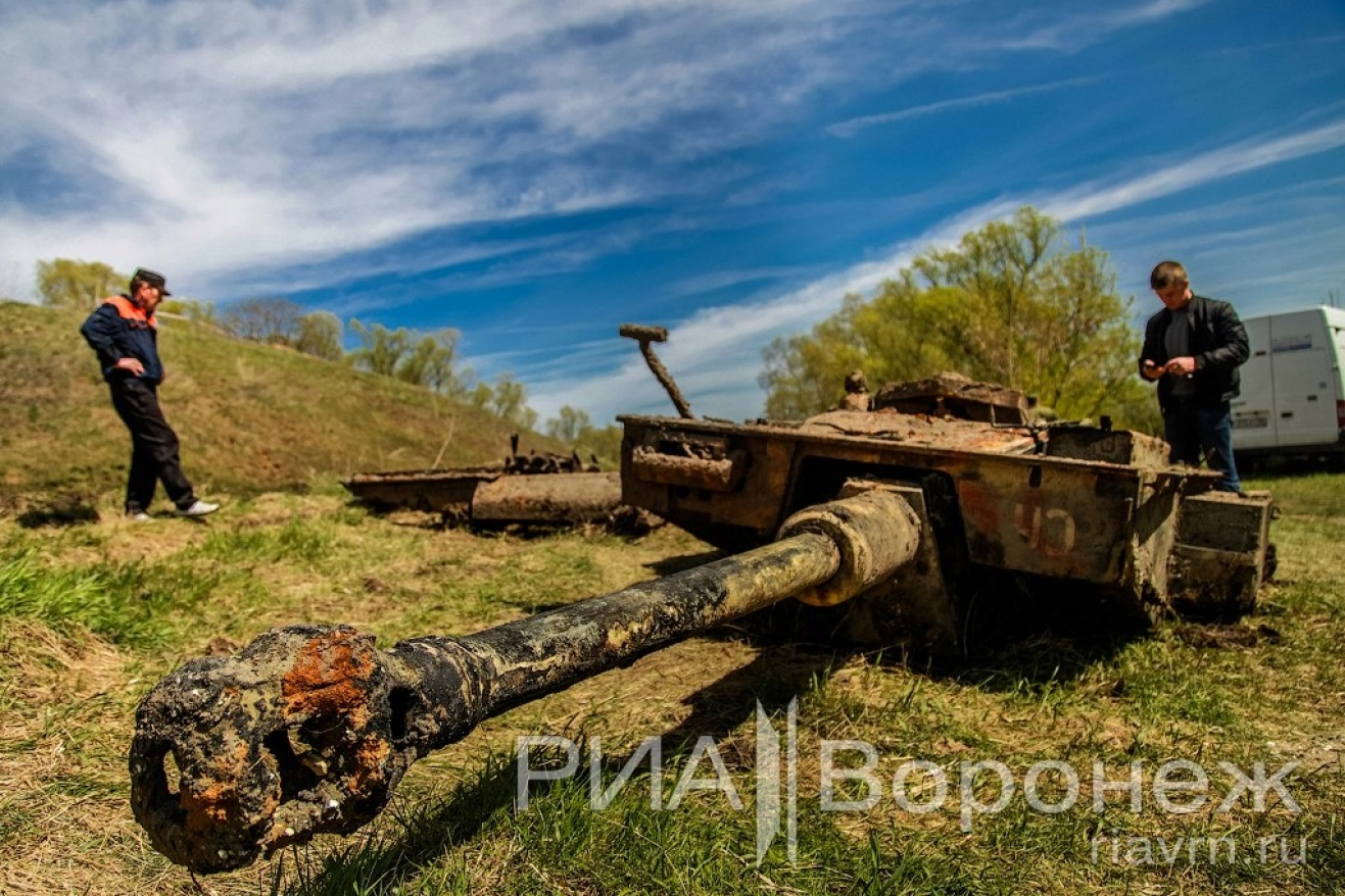 В воронежской области из дона вытащили американский танк . п.