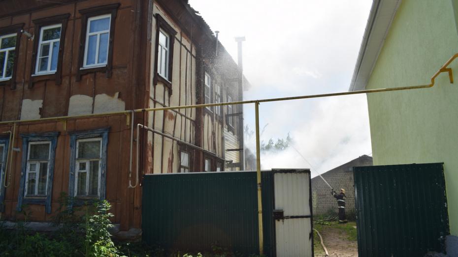 В Борисоглебске загорелся многоквартирный дом в центре города