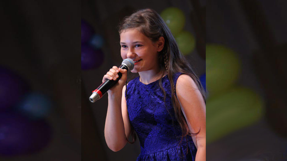 Семилукская школьница победила на международном фестивале «Краски лета»