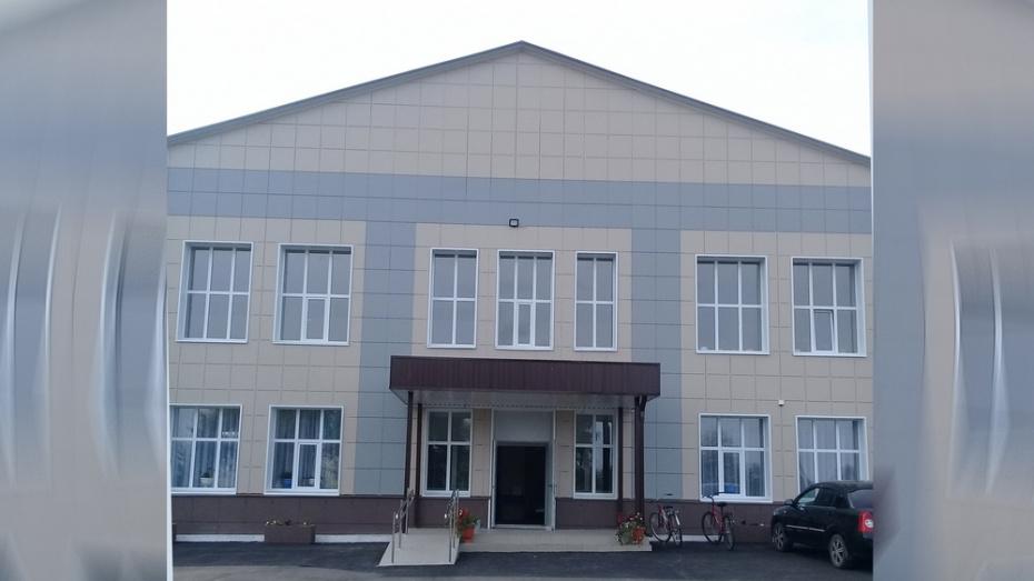 В лискинском селе Нижнемарьино капитально отремонтировали Дом культуры