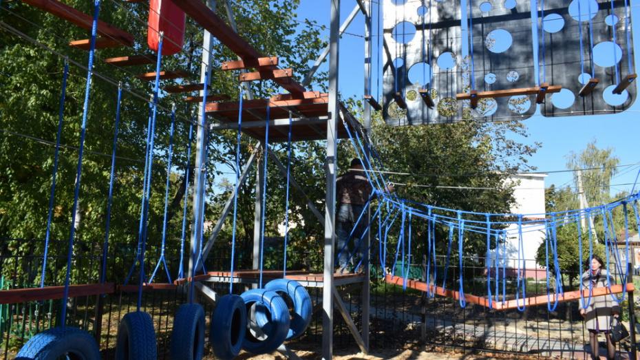 В Борисоглебске досрочно завершили строительство веревочного парка