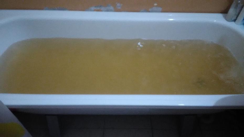 В Воронежском водоканале прокомментировали изменение цвета воды из-под крана