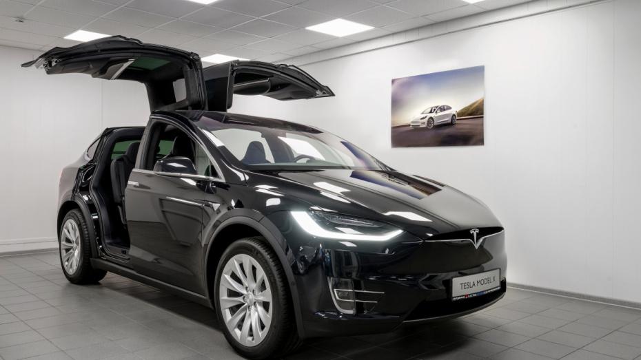 В Воронеже стартовала продажа электромобилей Tesla и Nissan
