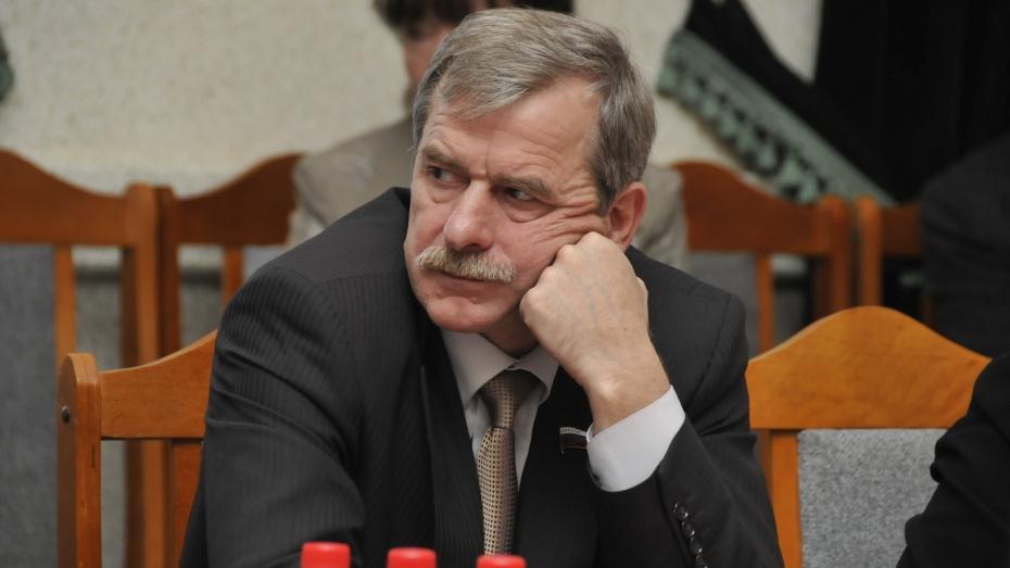 Экс-председателя Воронежской гордумы оштрафовали на 75 тысяч рублей за неслужебную поездку в Париж