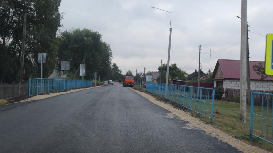 В Эртильском районе на асфальтирование дорог потратили 10,4 млн рублей