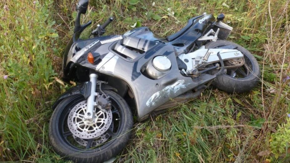 Не далеко от станицы Исправная мотоциклист «улетел в кювет»