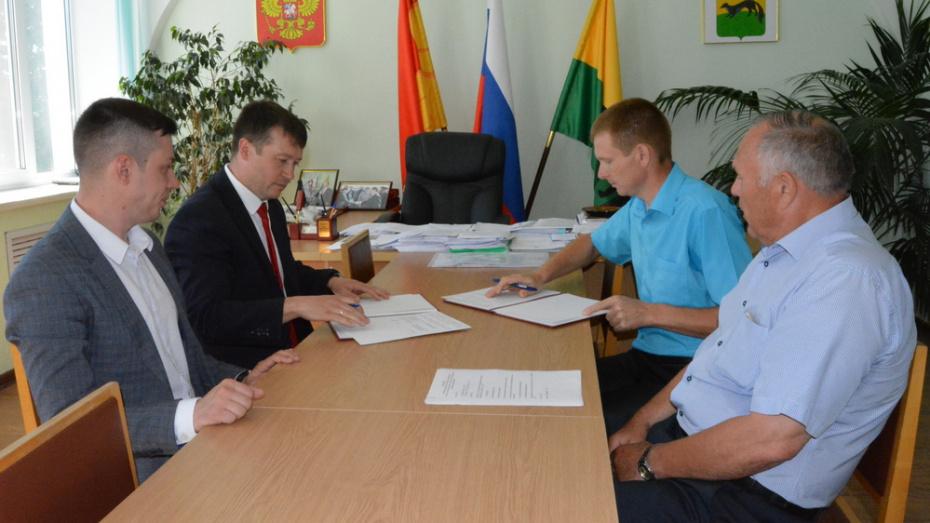 Богучар и Петровск Саратовской области заключили договор о сотрудничестве